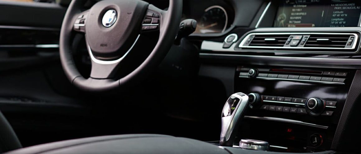 Premium Sedan BMW740-li interior image